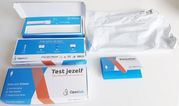 verzenddoosjes Zelftestpakket informatiedoos, een retourbox en twee bijsluiters