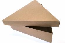 Doos van kraft karton los deksel driehoek